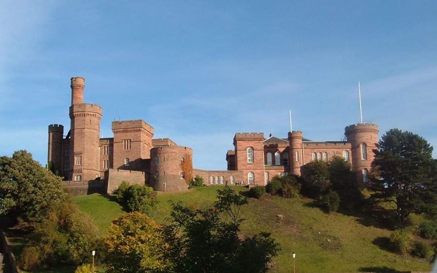Замок Инвернесс, Шотландия, Великобритания. Здание было построено с двух раз, в 1840-х годов и 1850-х годов.