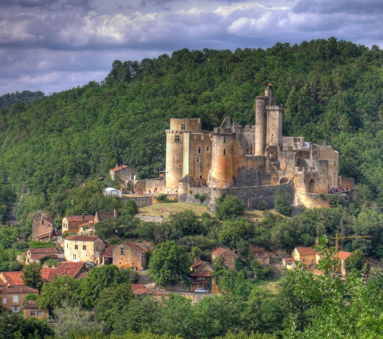Bonaguil замок, Франция