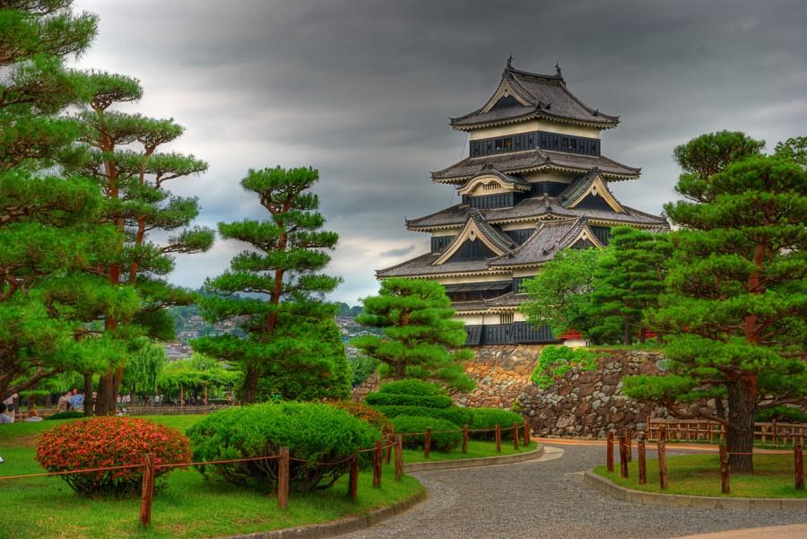 Замок Мацумото, один из старейших замков в Японии до сих пор в первозданном виде